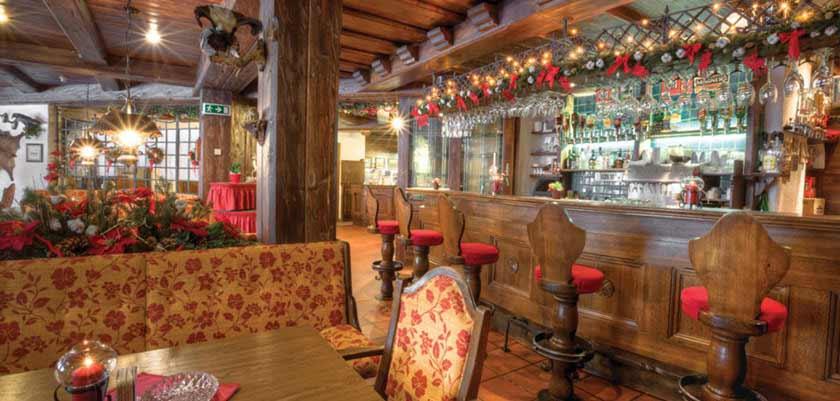 Hotel Postwirt, Söll, Austria - bar interior.jpg